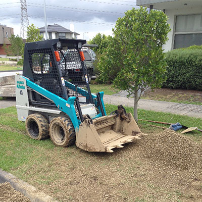 KMK-Dirtworks-bobcat-gravel-driveways